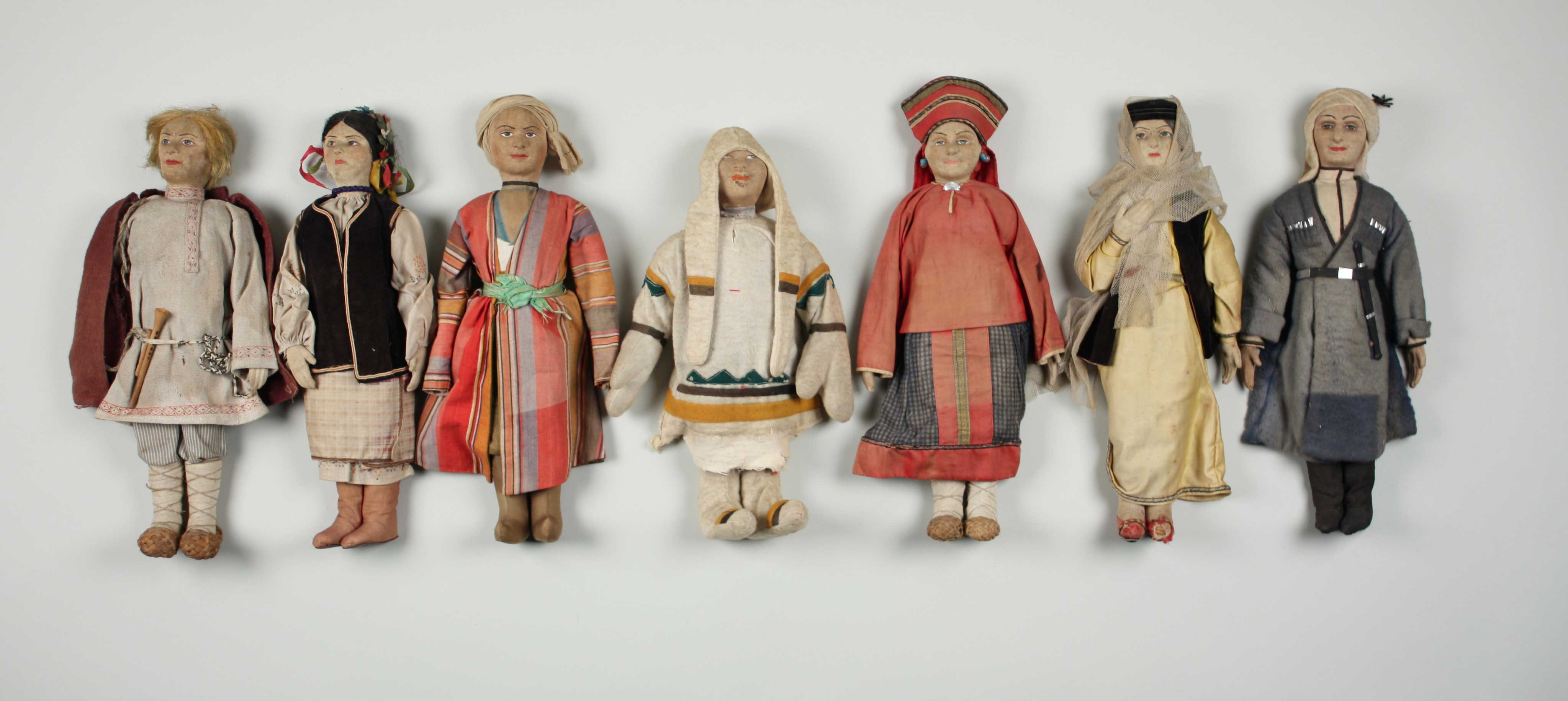 russian_ethnic_dolls