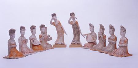 歌舞音曲の女子 白陶加彩舞楽女子 10体 唐(7世紀) 高14.4~18.8cm