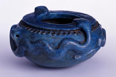 青釉蛇装飾鉢(エジプト・プトレマイオス王朝)