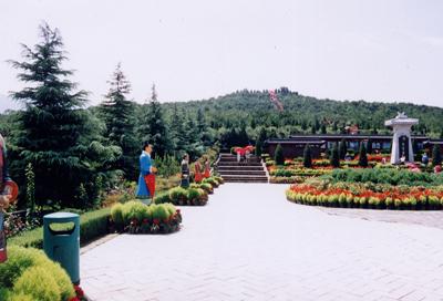 秦始皇帝陵(2002年8月撮影)