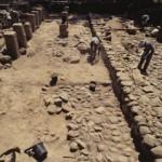 エン・ゲヴ遺跡(イスラエル国) 列柱式建物調査風景