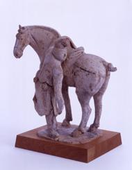 28.紅陶加彩騎馬男子