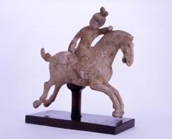 48.白陶加彩騎馬女子