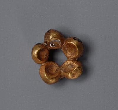 金製飾り 青銅器時代(前2500-2000年)