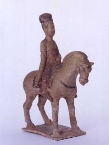 馬に乗る女性 唐 高さ26.6㎝