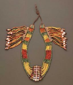パイワン族首長の首飾り