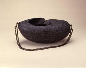 托鉢用の容器「カシュクール」