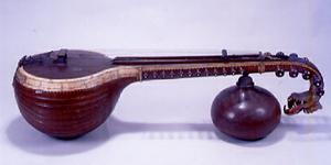 """撥弦楽器(リュート属)""""ゴットゥヴァーディヤム""""        インド・カルナータカ州 19世紀後半 長170.2cm"""
